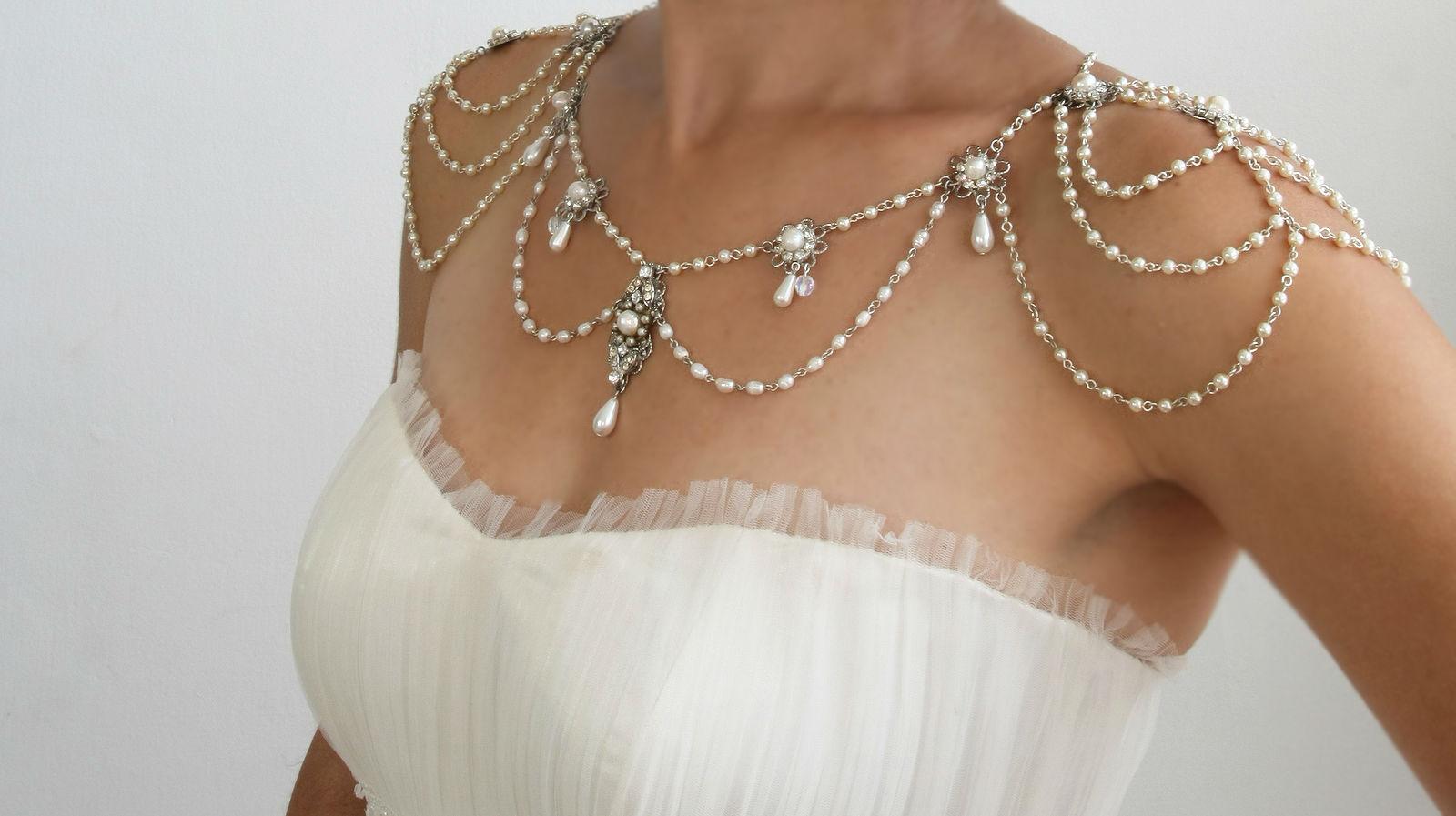 Как сделать украшения для вечернего платья своими руками