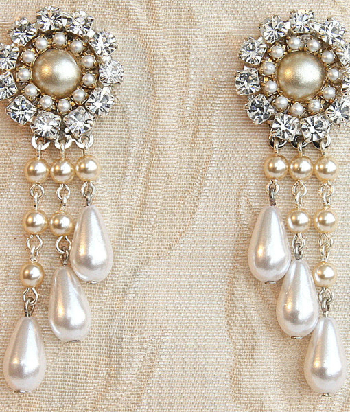 Bridal Victorian Chandelier Earrings, Stunning Wedding earrings with pearl and rhinestones