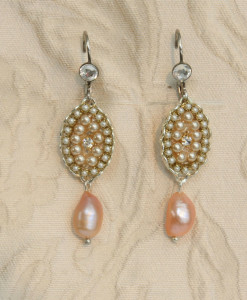 Champagne-Pearls-Earrings-Cream-Rose-Earrings-pearls-Victoria